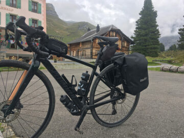 Tailfin X-Series rack and side panniers